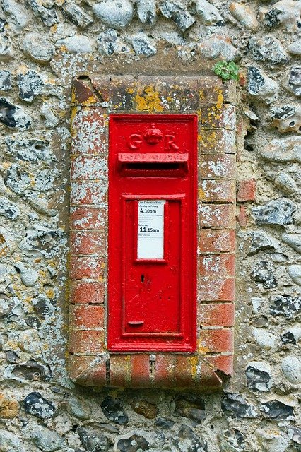 post-box-164036_640