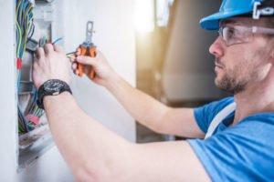 lone-worker-technician